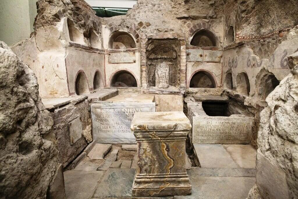 Некрополь Ватикана