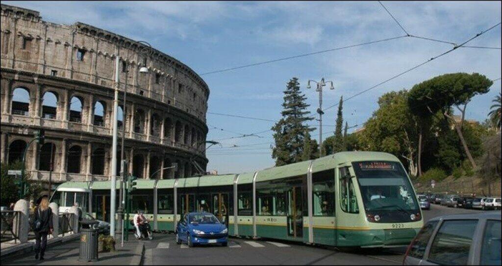 Трамвай Рима