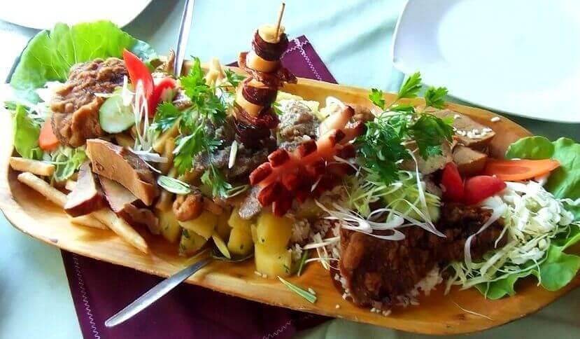 Идеальный ресторан национальной кухни в будапеште  regos vendeglo