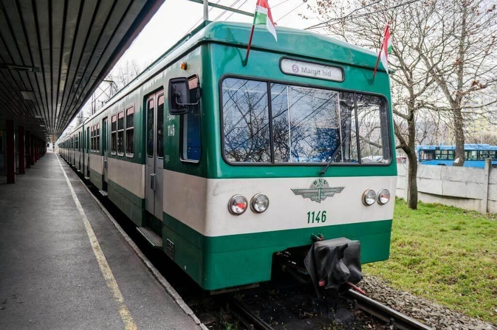Пригородные поезда HÉV