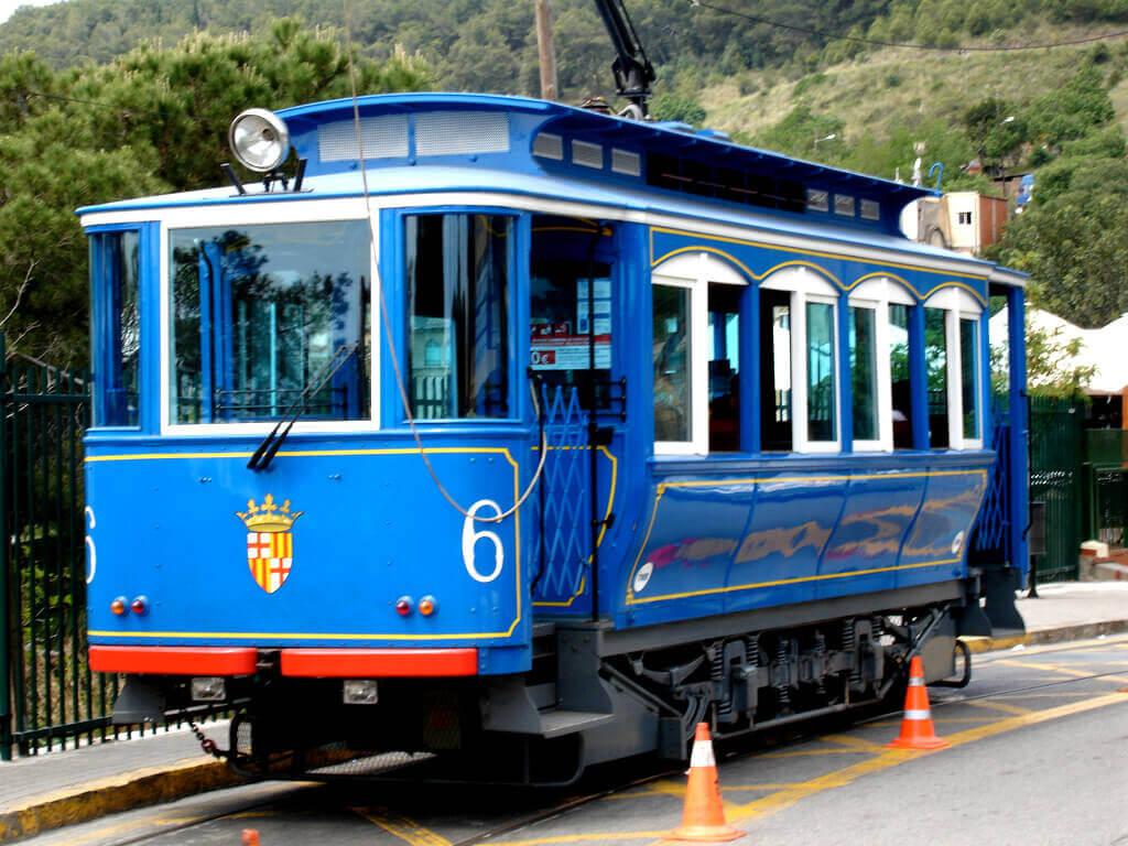 Голубой трамвай в Барселоне