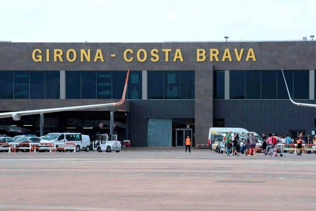Как добраться в Барселону из аэропорта Жироны