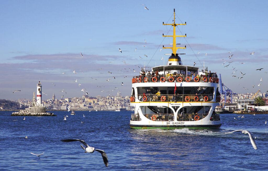 Паром в Стамбуле
